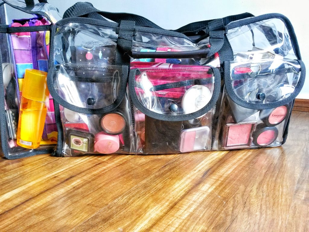 What S In My Makeup Bag 2017 Edition I Know You Re Curious