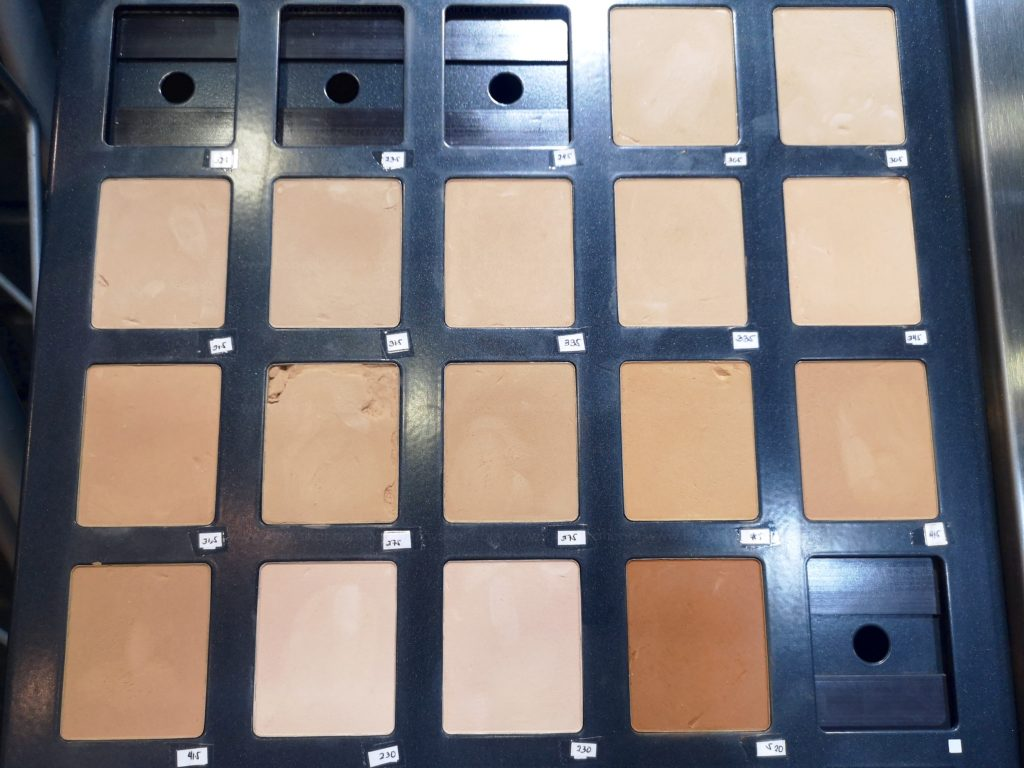 Review Make Up For Ever Matte Velvet Skin Powder Foundation
